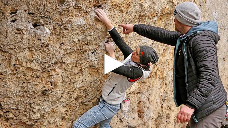 Martin Ehrl beim Boulder-Coaching | Bild: BR/Kilian Neuwert